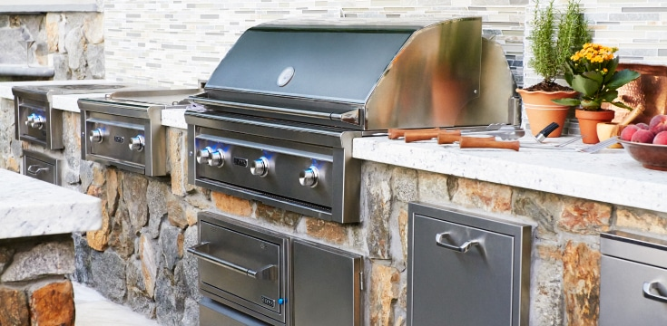 Lynx outdoor kitchen appliances bring home outside